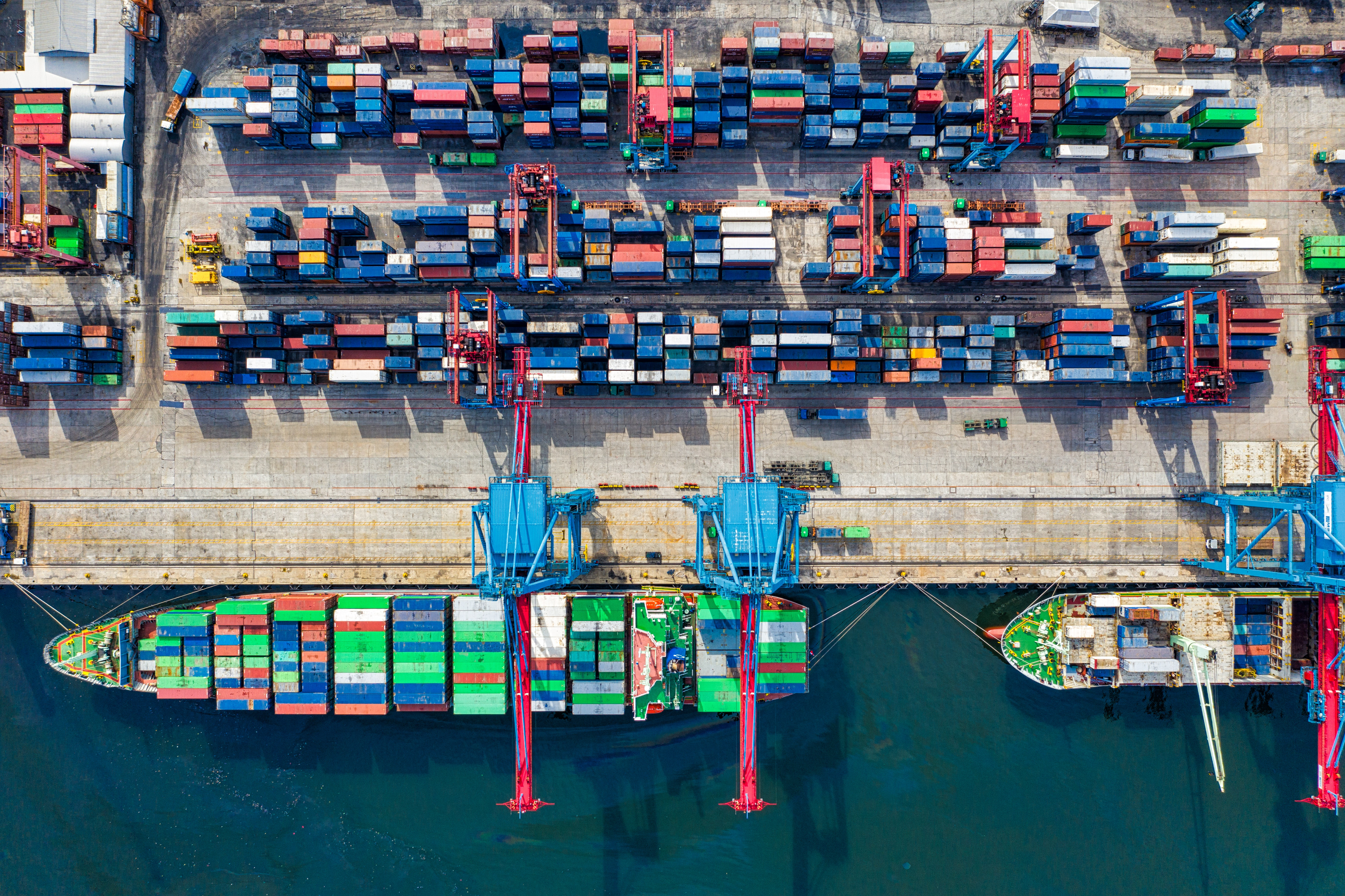 Shipping port with container vessels
